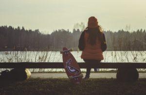 Девушка с лонгбордом